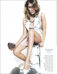 Carolin Corinth in Elle UK_08