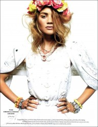 Carolin Corinth in Elle UK_09
