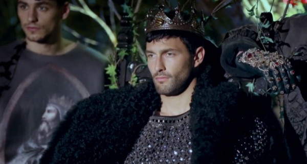 Dolce-and-Gabbana-Fall-Winter-2014-Campaign-Video-002-800x449