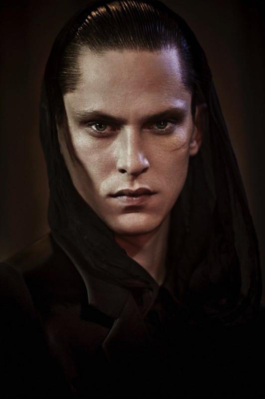 Mathias-Lauridsen-HERO-Photo-Shoot-003-800x1200