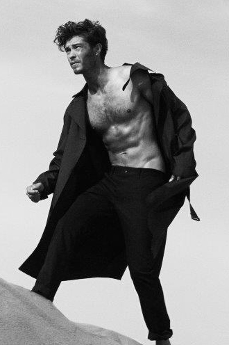 Francisco_Lachowski_for_Harpers_Bazaar_Men_Thailand_006cut