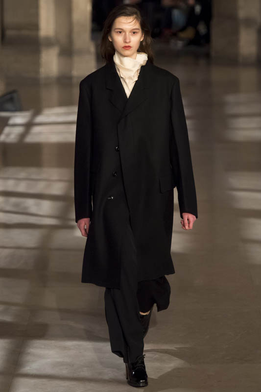 monika_rush_christophe_lemaire_paris_fw1617_02