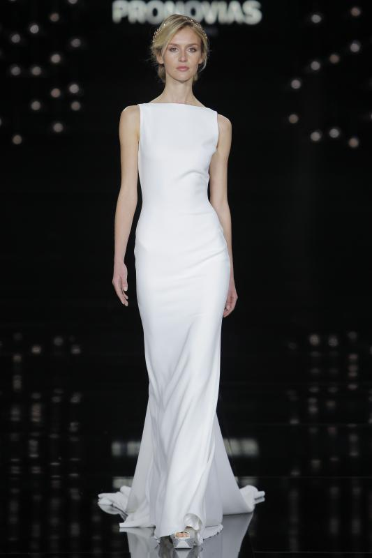 svieta_nemkova_pronovias_barcelona_bridal_week_2016_01