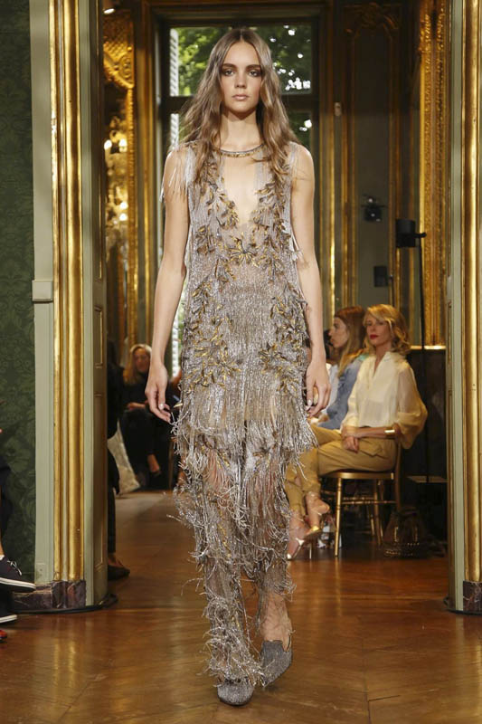 Alberta Ferretti Fashion Show, Couture Collection Fall Winter 2016 in Paris