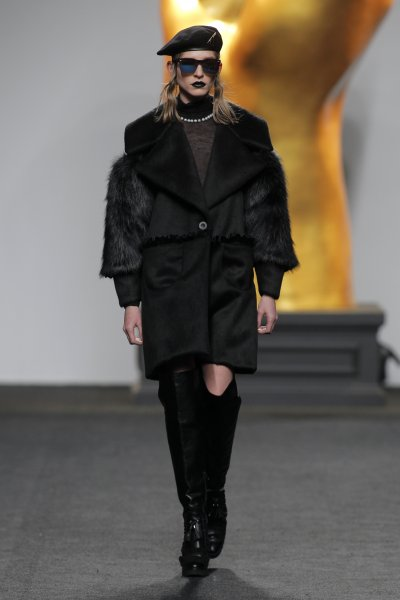 katya_konstantinova_AnaLocking_madrid_fw1718_01