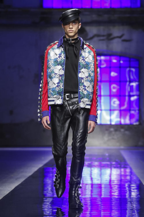 Dsquared2 Fashion Show, Mens & Women Collection Spring Summer 2018 in Milan