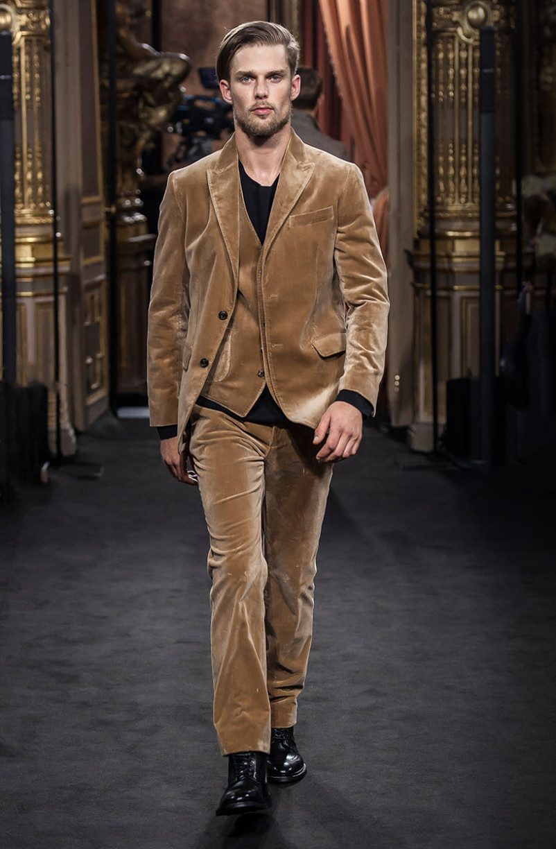 nils_butler_massimo_dutti_the_call_madrid_02