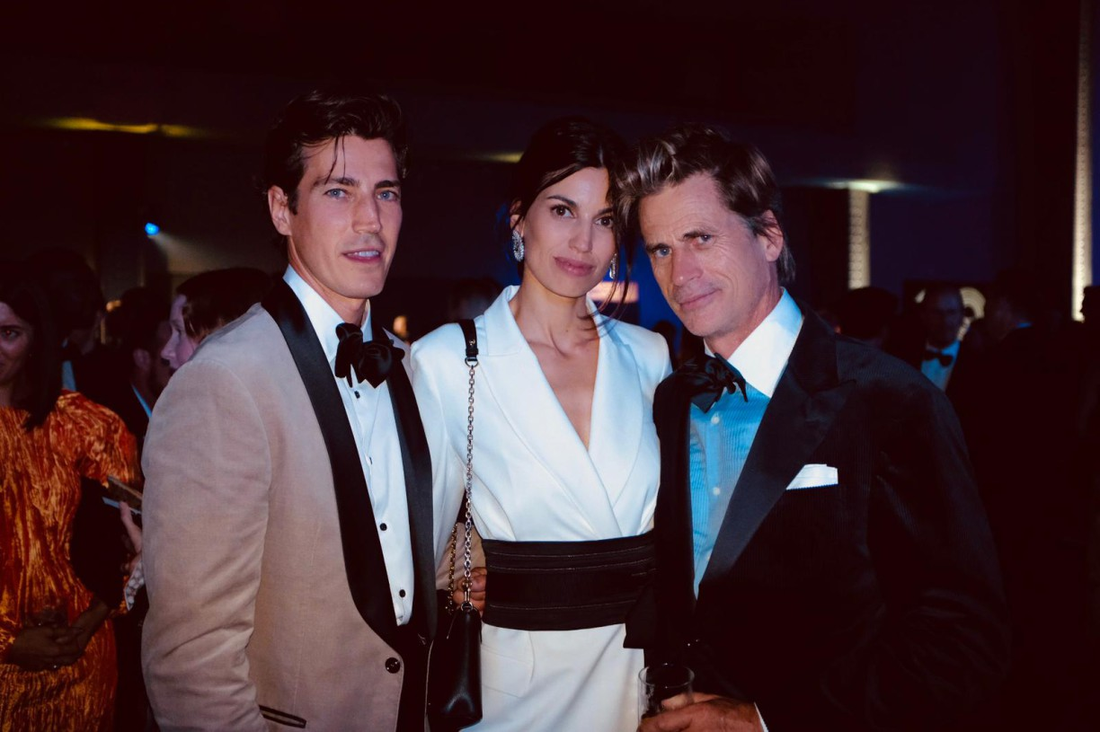 Oriol Elcacho, Davinia Pelegri and Mark Vanderloo