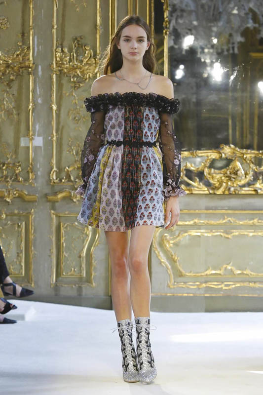 Giamba Fashion Show, Ready to Wear Collection Spring Summer 2017 in Milan
