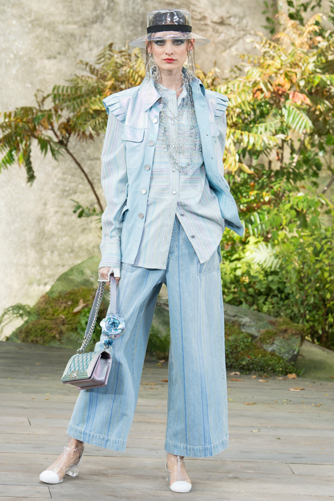 Carolina_Thaler_Chanel_ss18_Paris_01